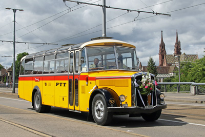 oldtimer postauto bei tram oldtimer basel. Black Bedroom Furniture Sets. Home Design Ideas